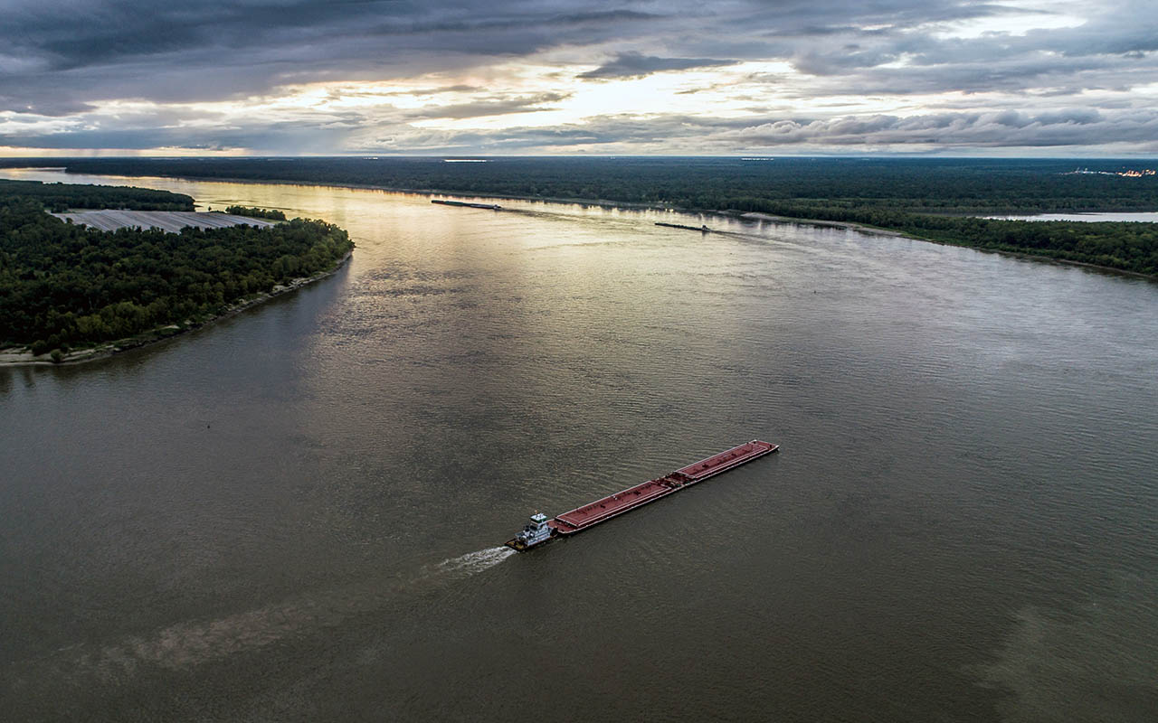 Mississippi river, flowing backwards, Missouri, Illinois, border, facts, life, phenomenon