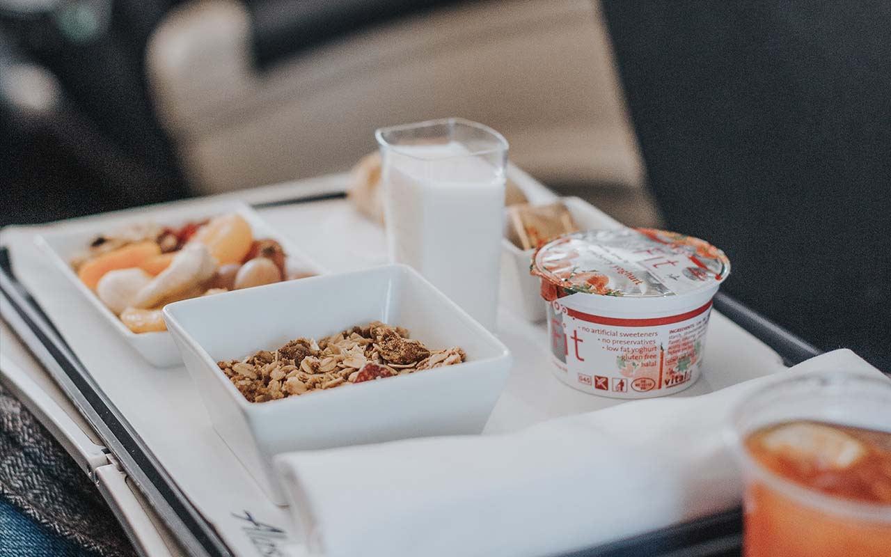 airplane food, taste buds, humidity, dry air, facts