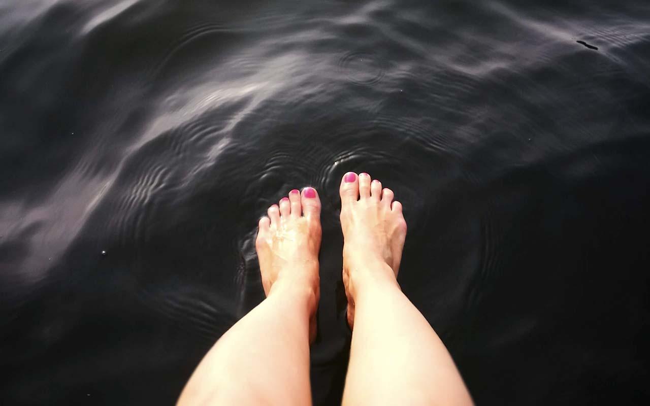 feet, bones, life, people, science, facts, false, true