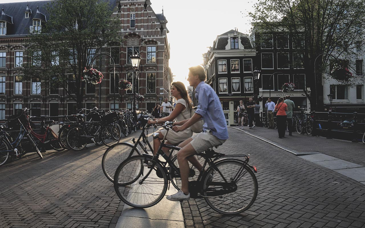 Amsterdam, bikes, facts, travel, people, life, adventure