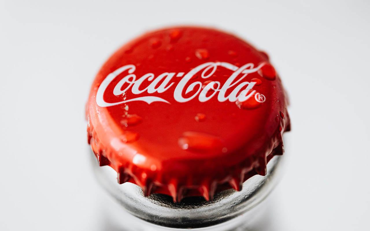 Coke, Coca Cola, drink, soda, beverage, food, fast food, life, people, weird