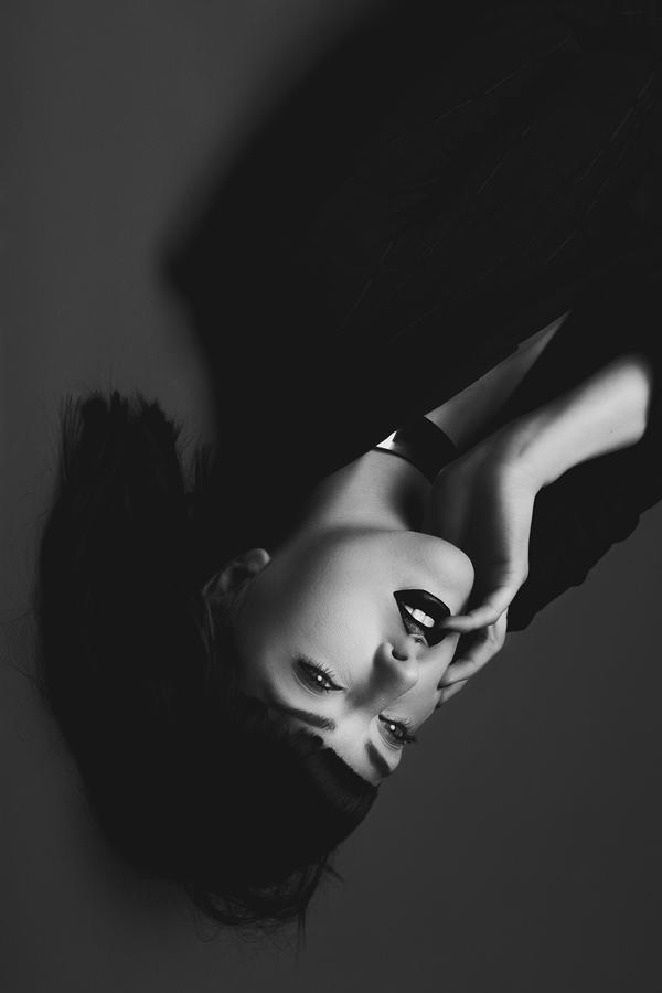 Julie_Marie_Gene_Gobelin_beautifulbizarre (2)