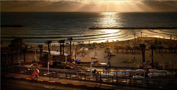 Girl in Tel Aviv by David Drebin