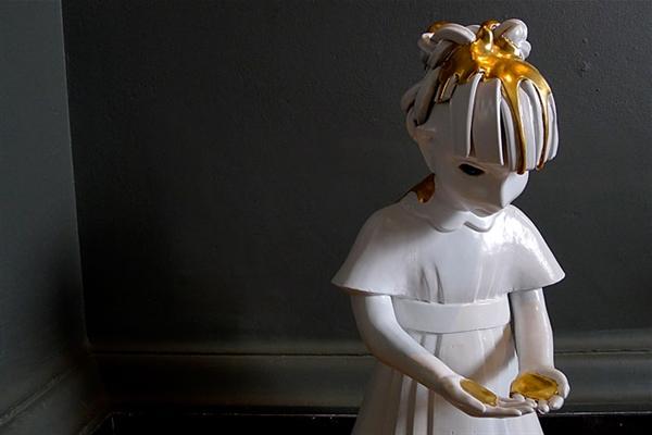 Girl baptized in gold (2008)