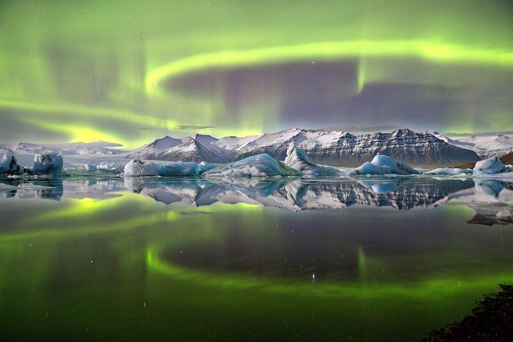 james woodend beautifulbizarre nature photography aurora over glacier