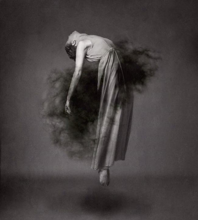 Josephine Cardin - levitation photography