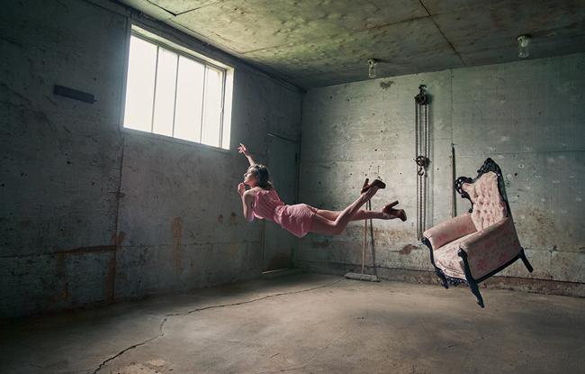Photofiend - levitation photography