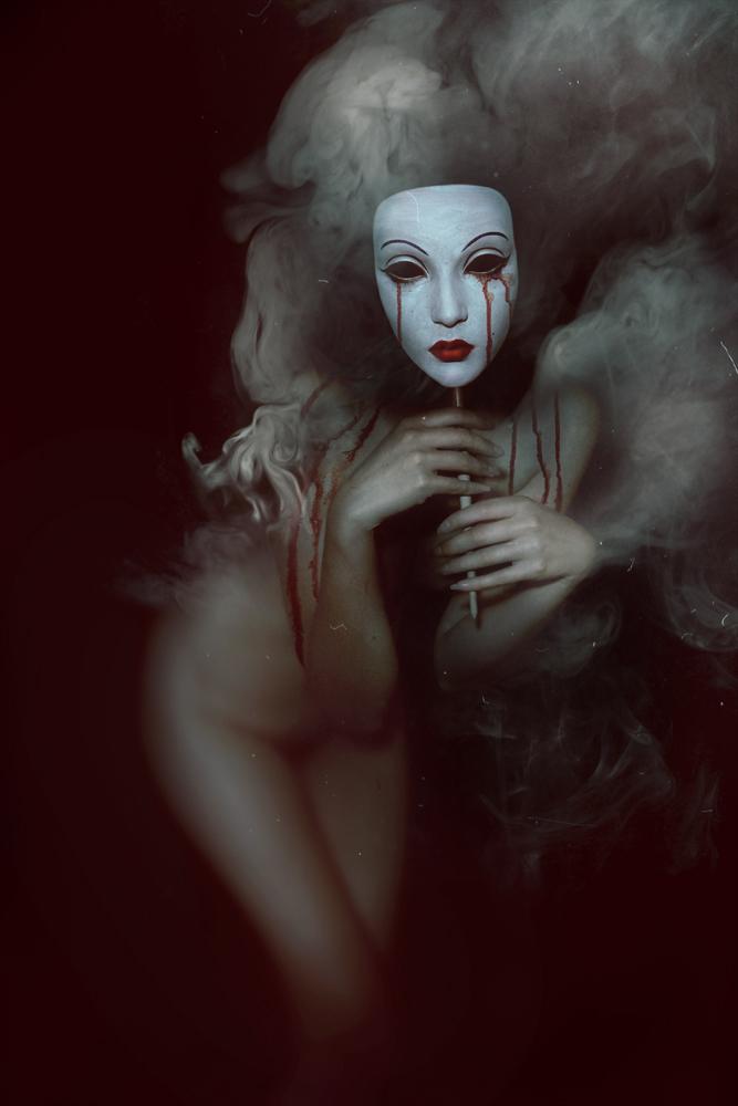DiHaze_GalleryX_BeautifulBizarre01