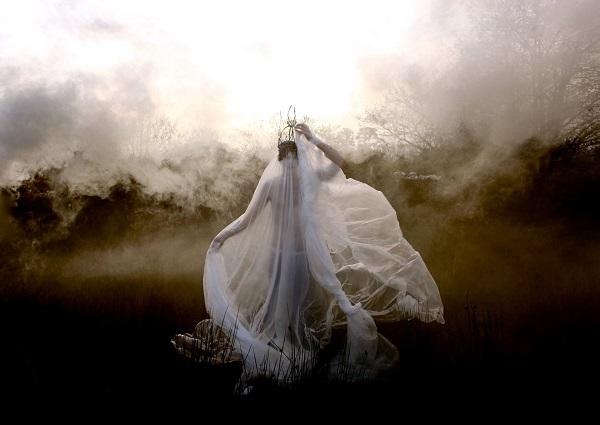 Agnieszka Osipa Costumes_Helen Warner_beautifulbizarre_002