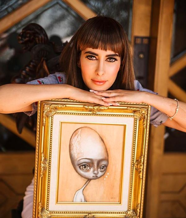 Opal Unicorn portrait of artist Laura Castellanos