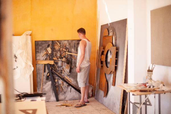 Daniel Martin in his studio
