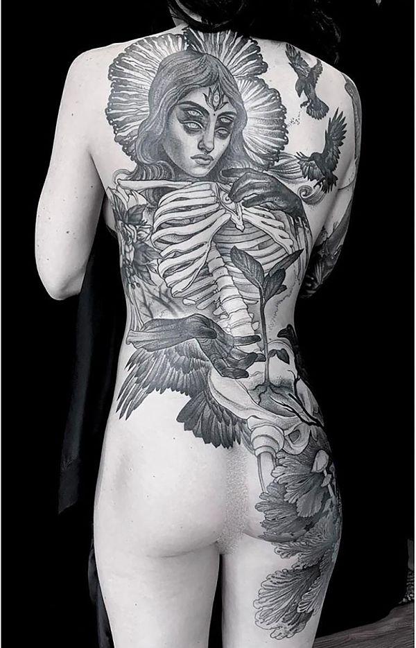 Teresa Sharpe take over Heather McLean back tattoo
