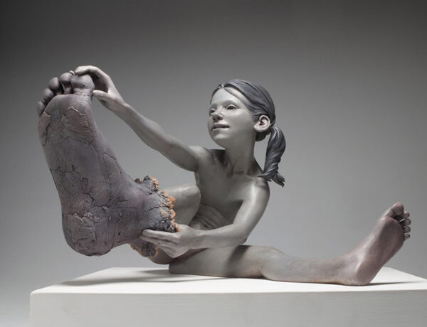 Jesse-Thompson-large-foot-sculpture-art-prize-2020