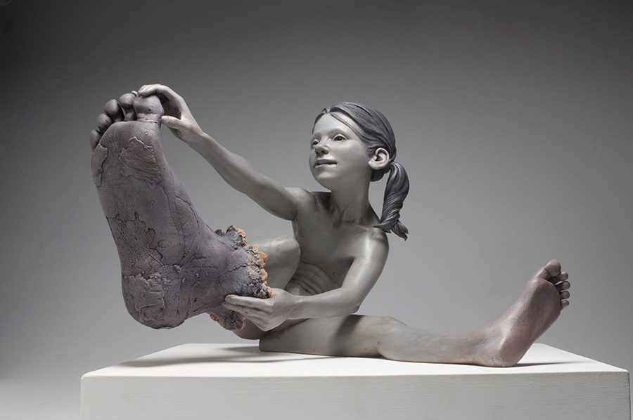 Jesse-Thompson-large-foot-sculpture-art-prize-2020