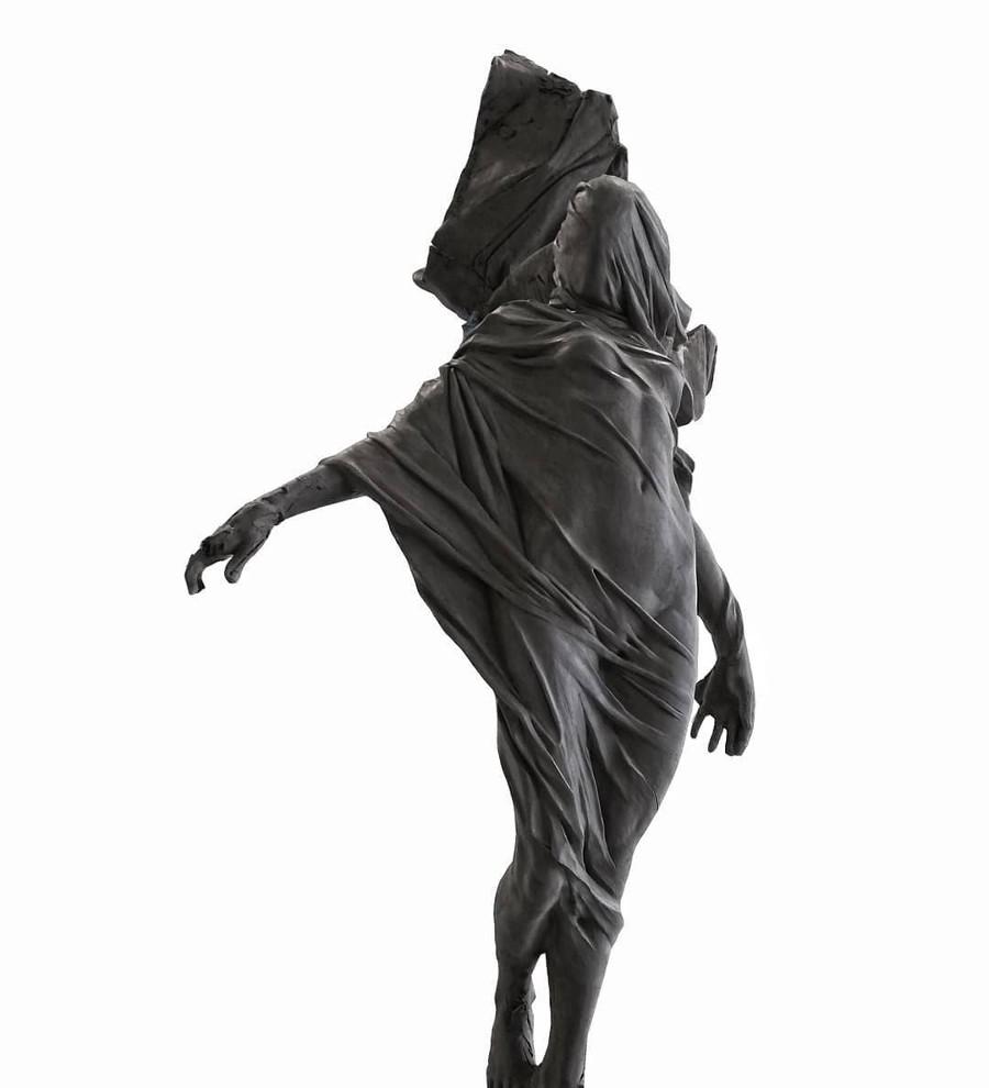 Tomasz Goornicki female sculpture