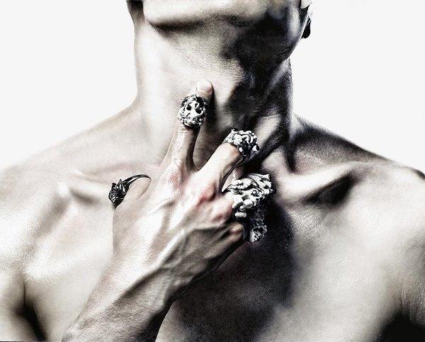 Macabre-Gadgets-wearable-art