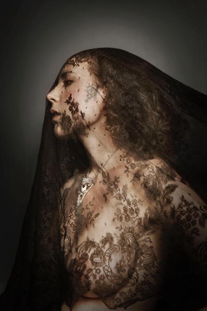 julia-deville-portrait