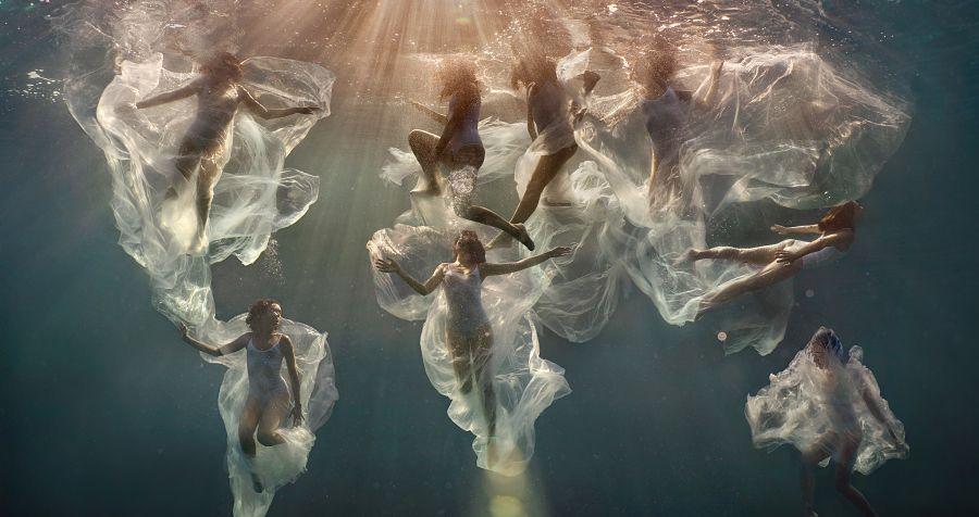 Lexi Laine underwater photography