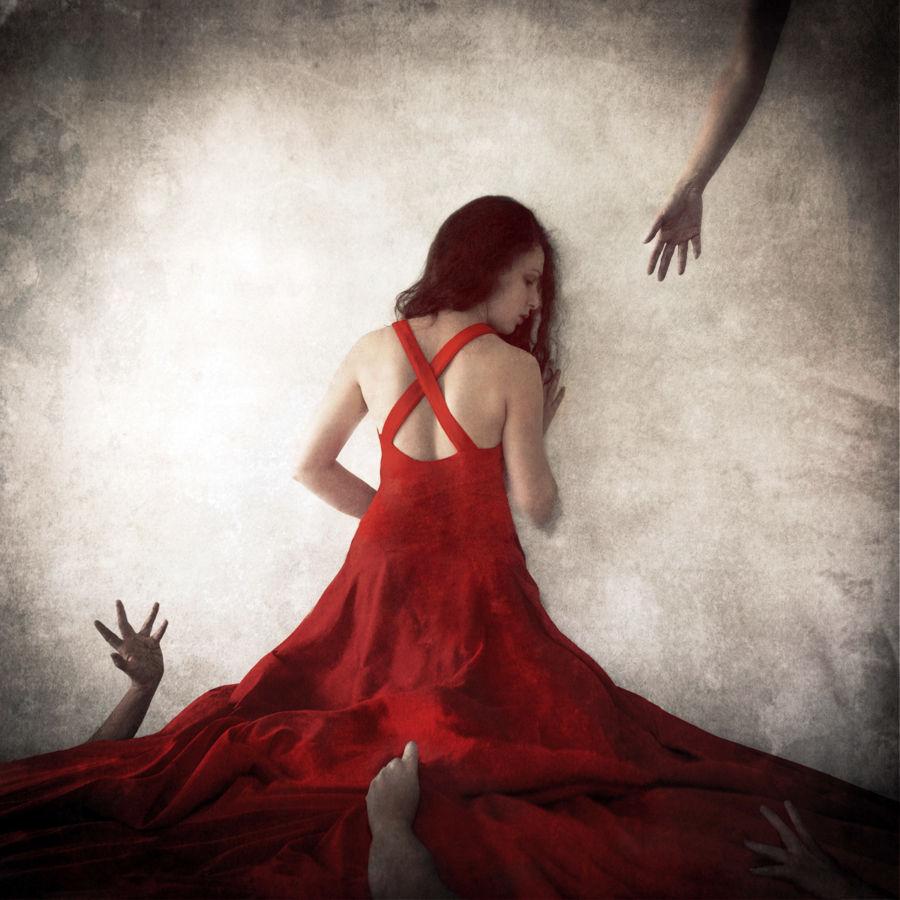 Jen Kiaba red dress