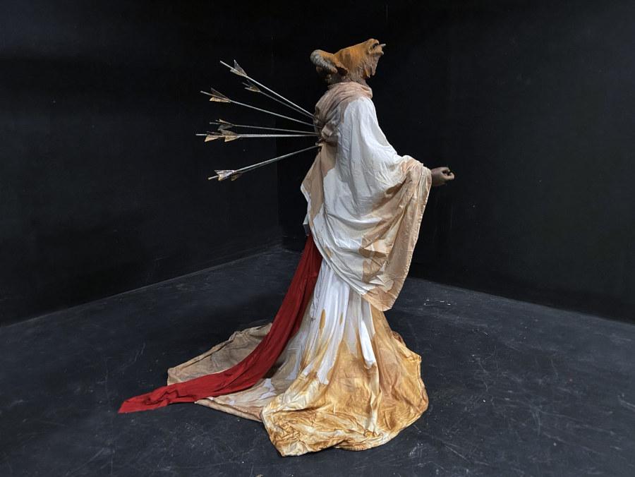 Molly Harrington arrow shot sculpture