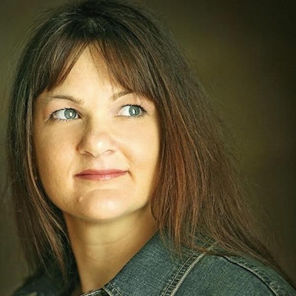 Elizabeth-Barden-online-author