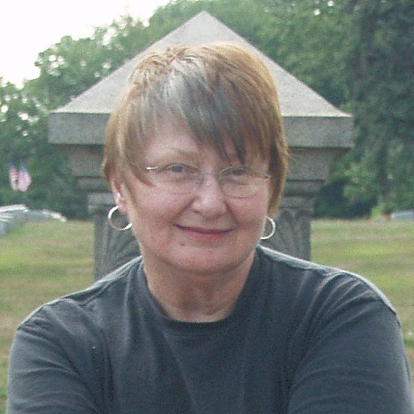 Leslie-Humez-Online-Author
