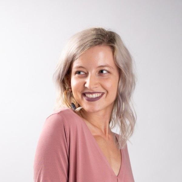 Savannah-McGhee-online-author