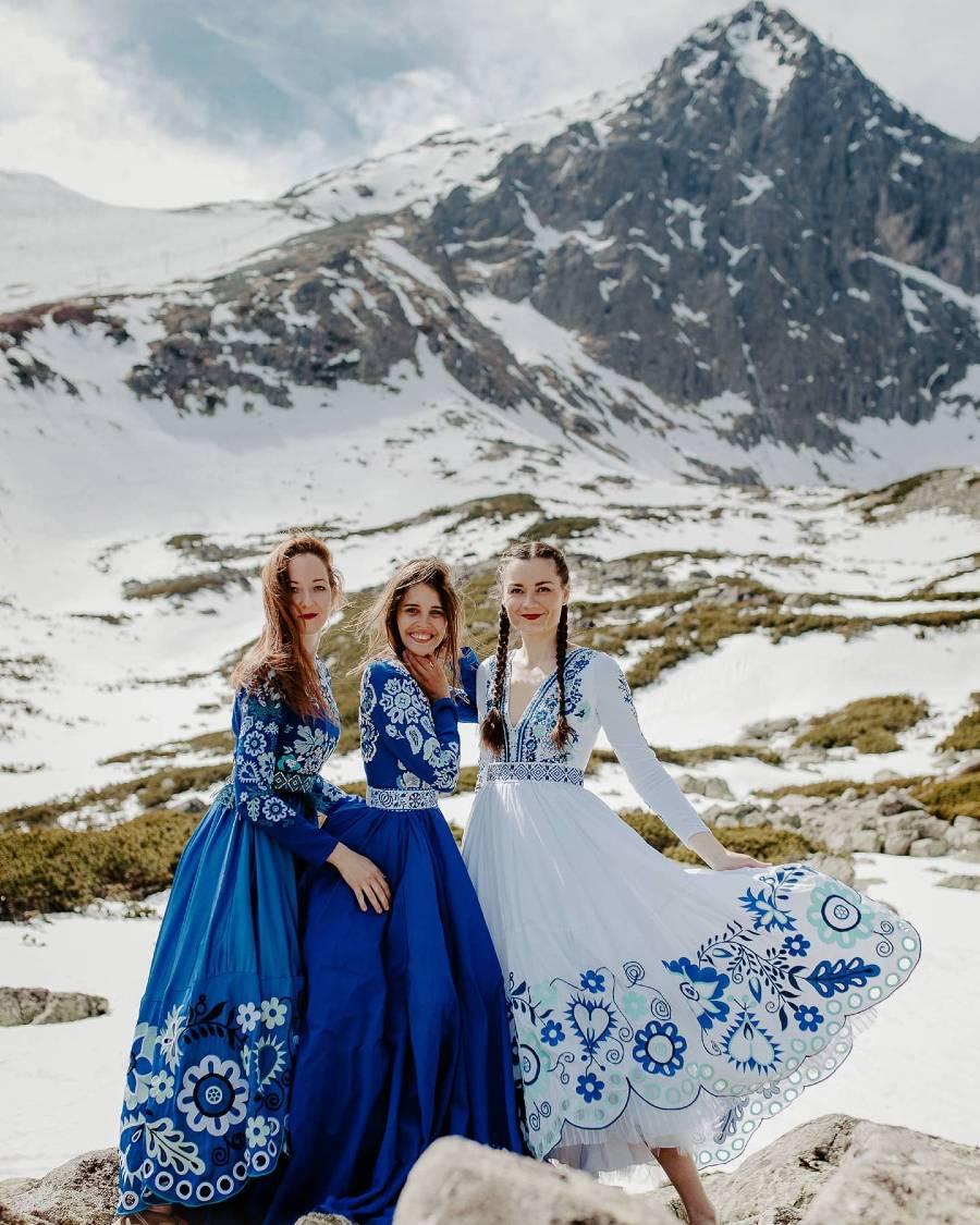 Jaroslava-Wurll-Kocanova-Blue-Dresses
