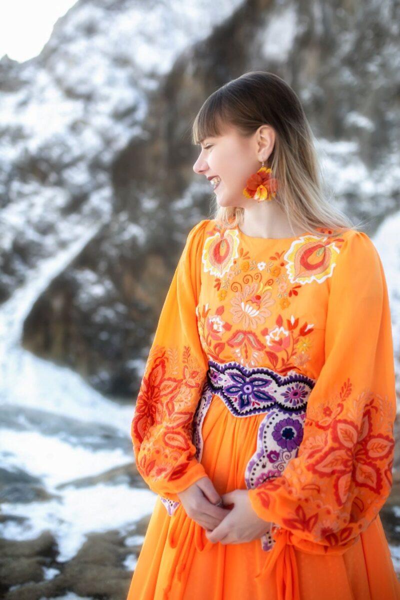 Jaroslava-Wurll-Kocanova-Orange-Dress