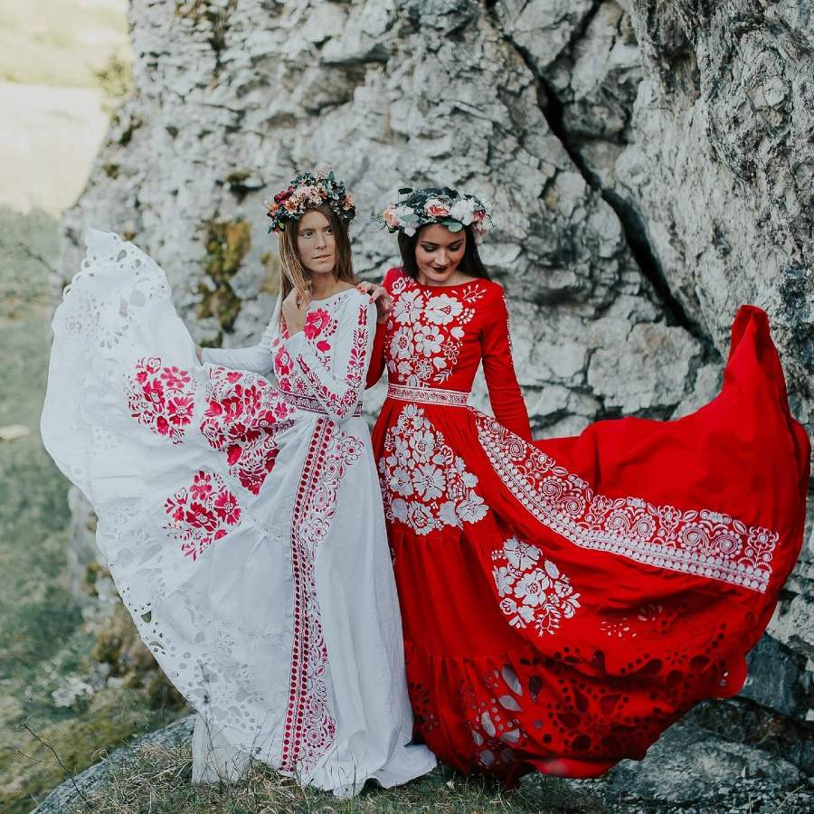 Jaroslava-Wurll-Kocanova-Red-White-Flowered-Dresses
