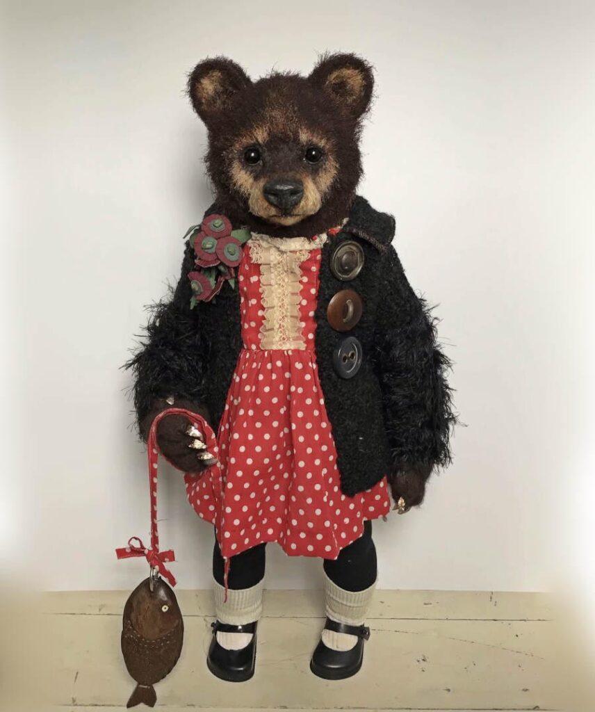 "Annie Montgomerie - sculpture Edna, 2021 Mixed media & textiles, 12"" H x 10"" W x 10"" D"