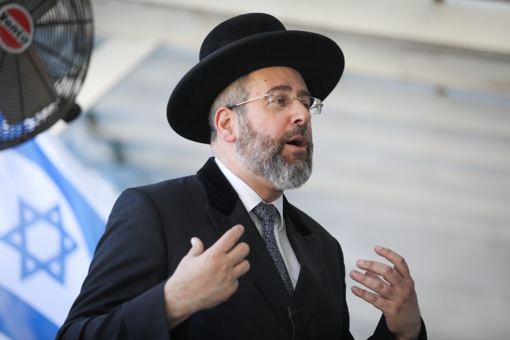 Corona-Shul rules to change - IsraelB