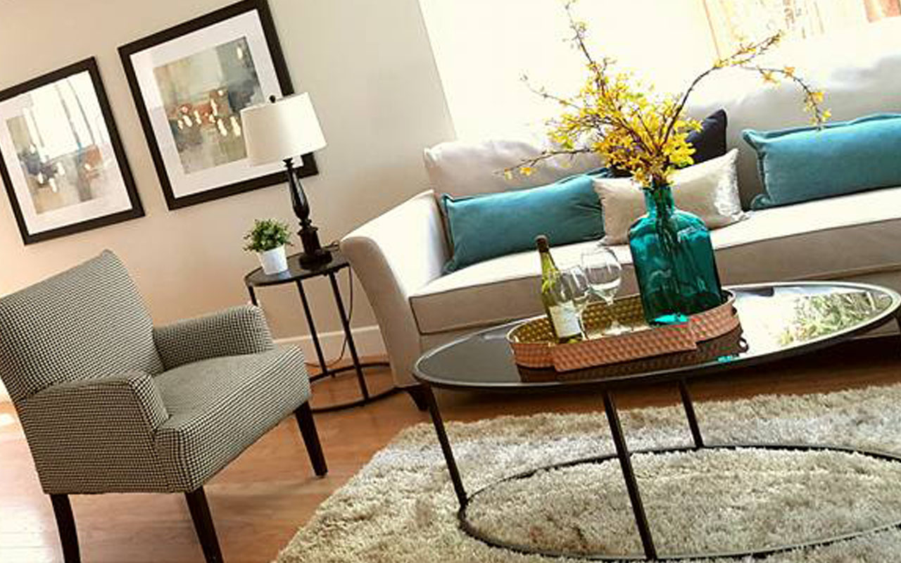 home_staging_living_room