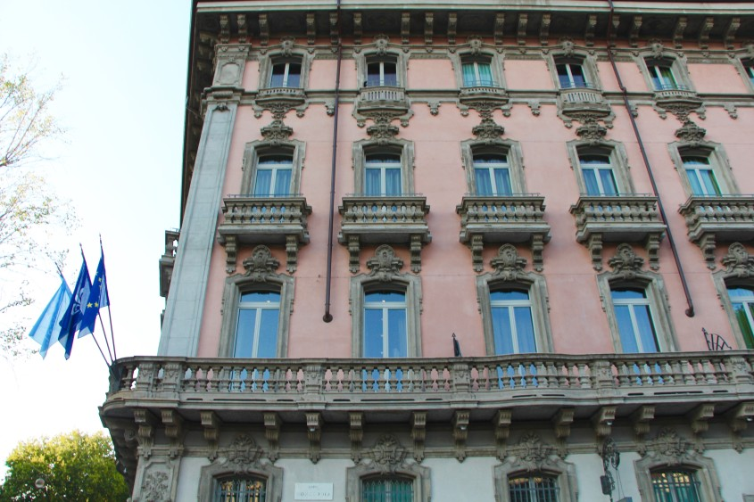 staying at a chateau in milan