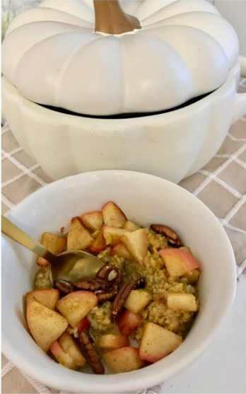 pumpkin oatmeal with sautéed apples