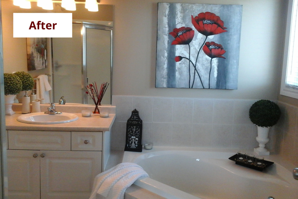 Bathroom Interior Decorating: Home Staging Before & After | Bathroom After Staging | MatiDesign Interior Decorating And Home Staging London Ontario