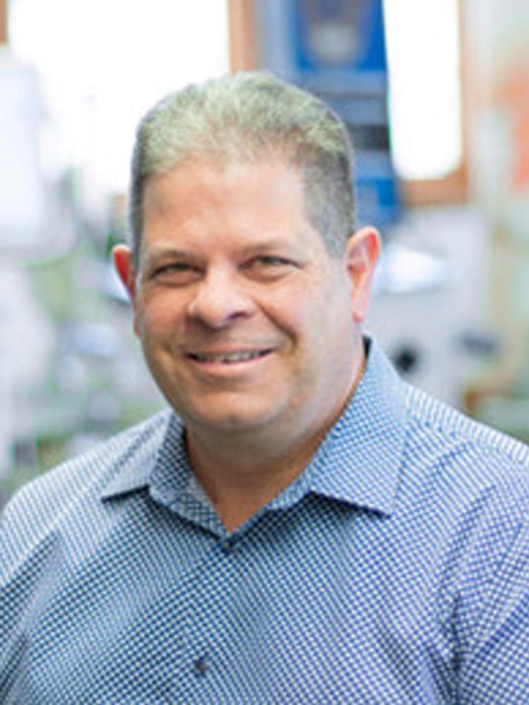 Dr Lou Chmura