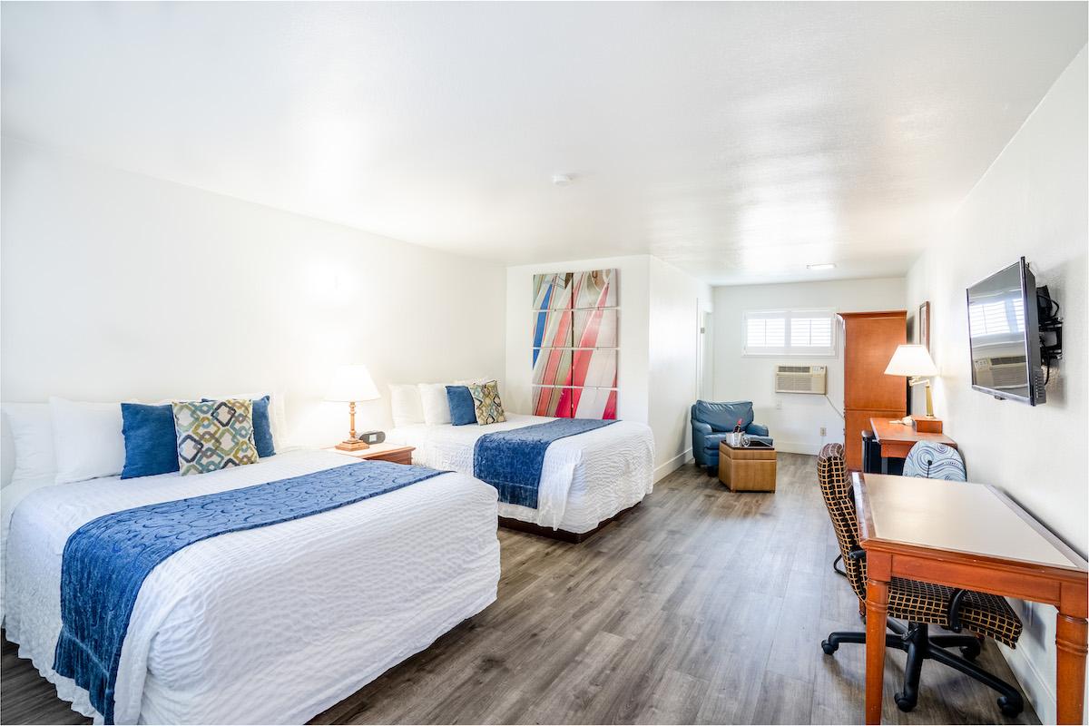 La Avenida Inn Queen Double Room