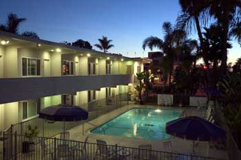 https://secureservercdn.net/50.62.172.157/mkr.325.myftpupload.com/wp-content/uploads/coronado_beach_hotel_pool_night.jpg?time=1634191398