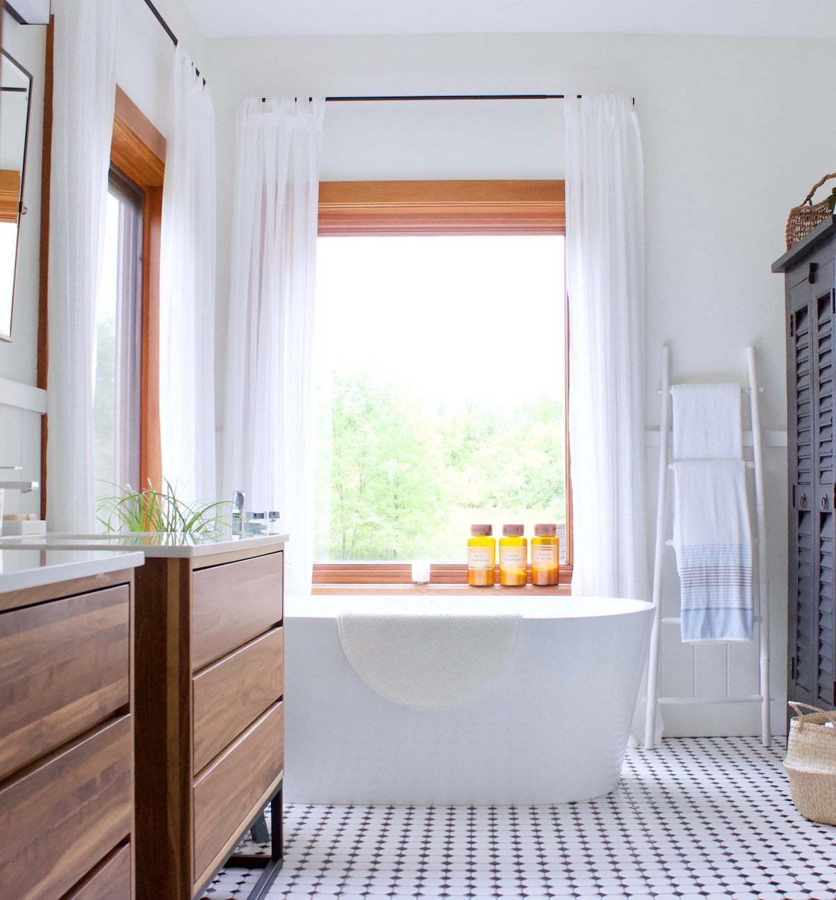 Bathroom Reno Design with Custom Details