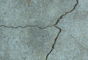 earthquake crack
