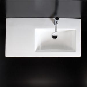 The countertop/sink can be ordered with the bowl on the left or the right. This beautiful porcelain in made in Italy.