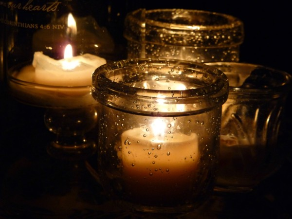 candles-on-dining-room-table