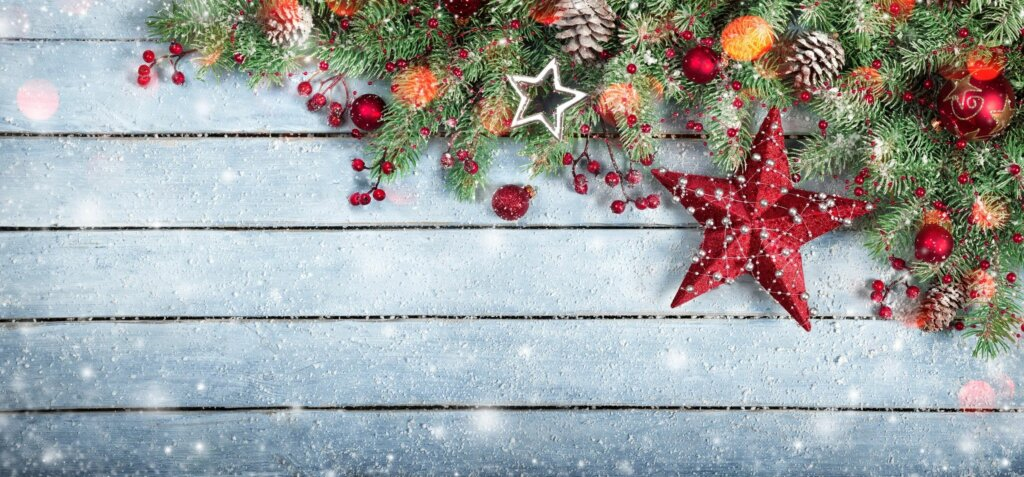 Showing a holiday theme - Avoid common car accidents in Atlanta during the holiday season.