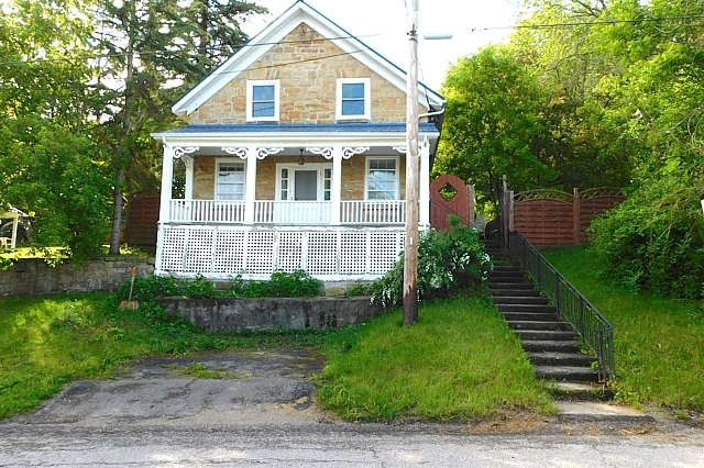 12 Colborne Street, Portland, Ontario, Rideau Lakes, Gurreathomes