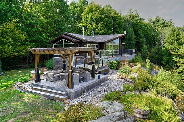 322 Dargavel Road, Rideau Lakes, Gurreathomes.com