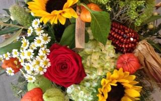Augustinmärit Sonnenblumen Rosen Strauss