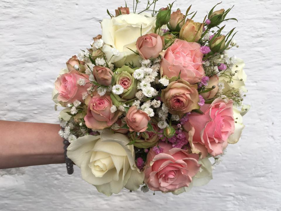 Brautbouquet in Rosa und Weiss