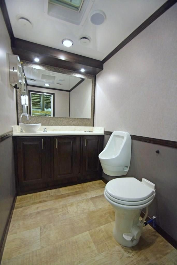specialty trailers toilet