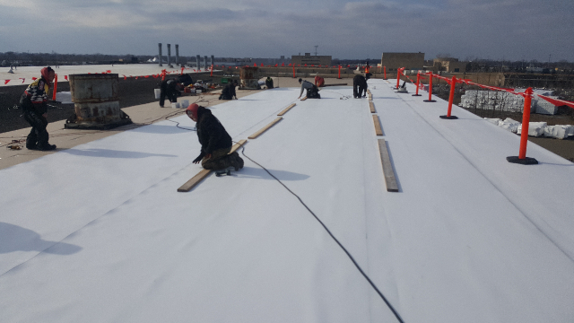 Tri-Star roof installing commercial project